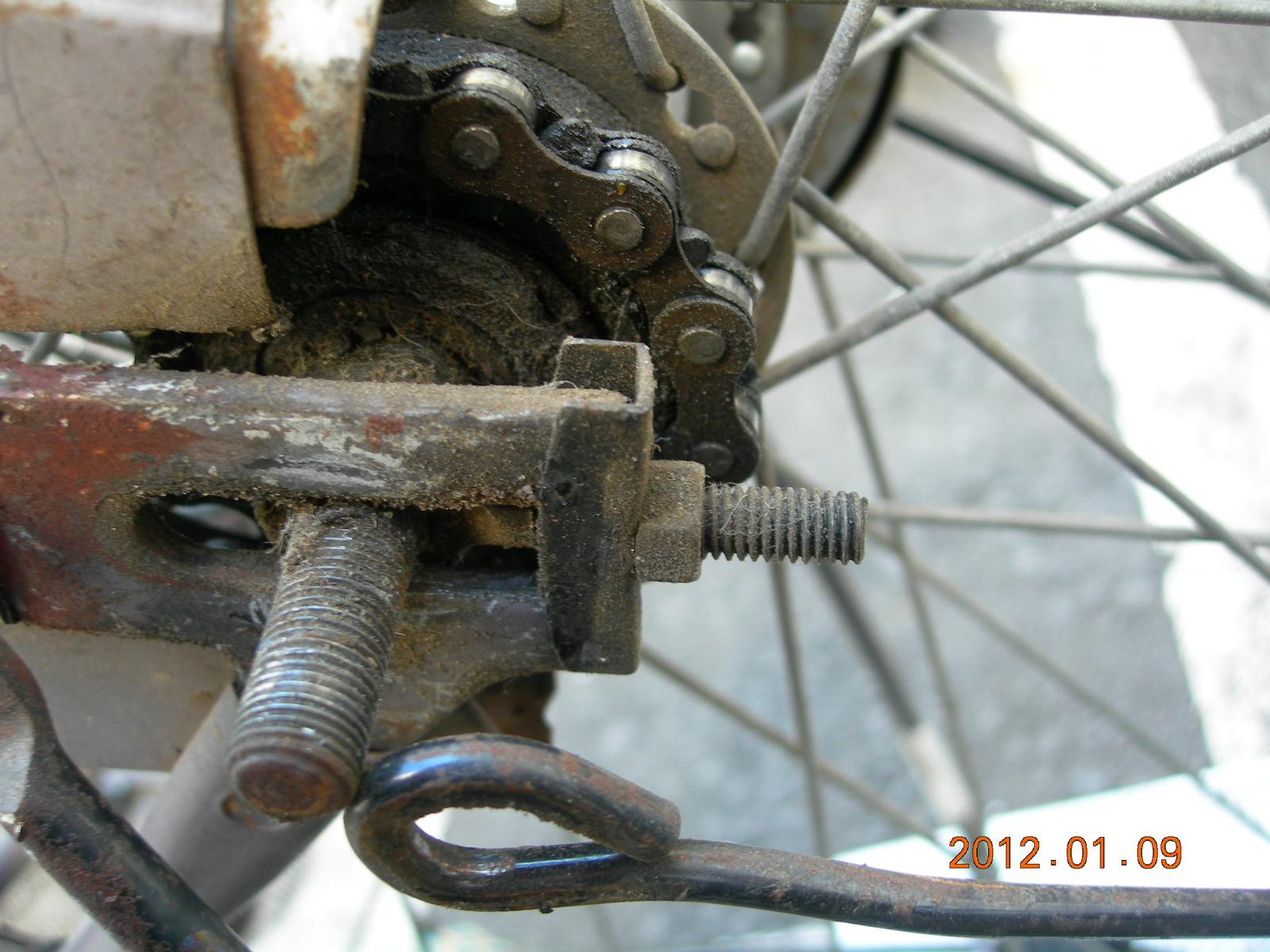 自転車の 自転車 前輪 ナット サイズ : ... 調整ナットを緩めていきます